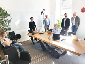 Das Fototeam und die Gründer des Startups odc bei einem Fotoshooting mit dem Hamburger Fotografen Urs Kuester.